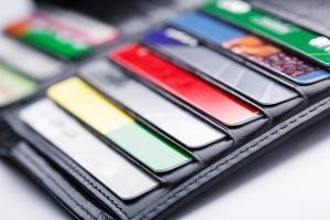 Dlaczego warto płacić kartą kredytową?