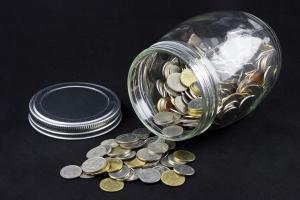 """Co z """"bezpańskimi"""" pieniędzmi w bankach? Komu się należą?"""