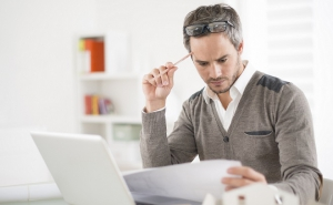 Kredyt gotówkowy – online czy stacjonarnie?