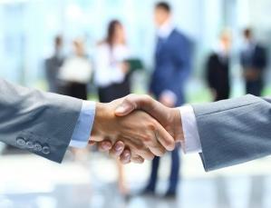 Kredyty firmowe z udogodnieniami – porównanie