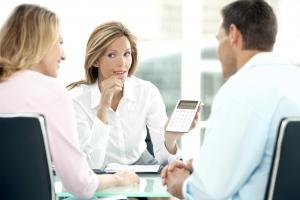 Czy warto korzystać z pomocy eksperta kredytowego?