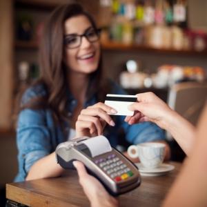 W Santander Bank Polska terminal płatniczy otrzymasz za darmo i z premią!