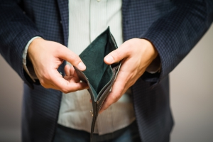 Ile musisz zarabiać, żeby dostać kredyt gotówkowy?