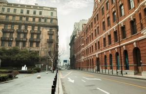 Poznaj swoje prawa: Kto zapłaci odszkodowanie za wypadek na śliskim chodniku?